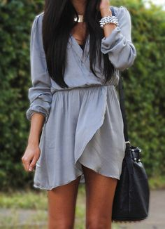 I just love loose dresses like this! Especially this one because it's grey :)