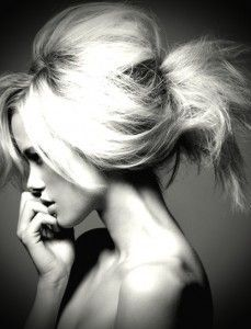 Looking for a hair stylist?  The Do's and Don'ts of correctly finding a good hair stylist in your area...AWESOME SAUCE :)