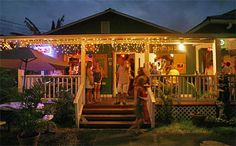 Tahiti Nui--wonderful dive bar with mix of tourists and locals (as featured in the movie The Descendants). Awesome local musicians, including guitarist Jeff Caldwell