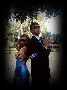Fun prom pose