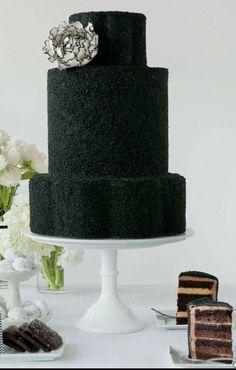 black weddings, dream, wedding cake black, black cakelov, black white, wedding colors, white weddings, parti idea, white wedding cakes
