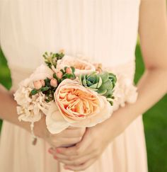 peach bridesmaid bouquet #peach #bridesmaid #bouquet #wedding http://theflowerhouse.com/