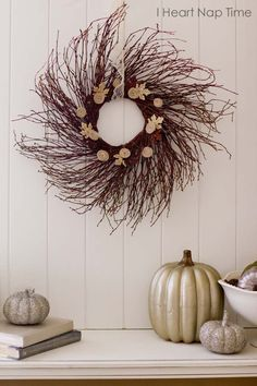 Cute and easy fall wreath tutorial on iheartnaptime.net #DIY #crafts