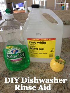 DIY Dishwasher Rinse Aid via MrsJanuary.com #diy #frugal