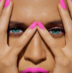 fashion, nail polish, pink nails, hot nails, hot pink, beauti, curv, neon pink, eye