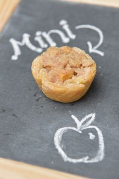 Mini Apple Crumble Pies - super quick and easy!
