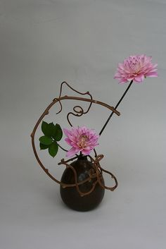 Ikebana with dahlias by sogetsudc, via Flickr