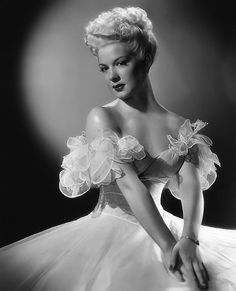 Such an enchanting, instantly captivating image of Betty Hutton. #gown #dress #vintage #woman #actress #Hollywood #1940s #forties