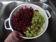 4 Easy Steps to Freezing Grapes