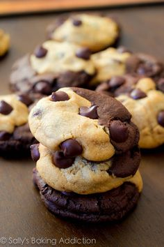 Soft-Baked Peanut Butter Chocolate Swirl Cookies. #cookies #chocolate #food #peanutbutter