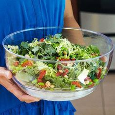 Mixed Greens with Edamame, Almonds, and Sun-Dried Tomatoes