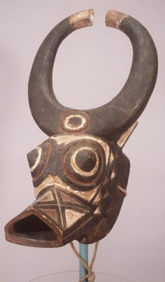 AFRICAN MASKS-FACES OF THE SPIRITS