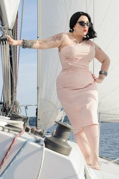 woman fashion, soft pink, real women, kerosen delux, curvy women, plus size dresses, the dress, plus size women, curvy fashion