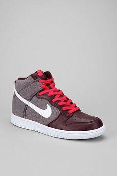 Nike Dunk Hi Sneaker