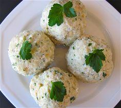 Susi's Kochen Und Backen Adventures: Semmelknödel (Bavarian Bread Dumplings)