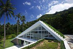 La Casa Sostenible: Esta casa con cubierta vegetal propone una alternativa sostenible a la cubierta de paja tradicional tailandesa