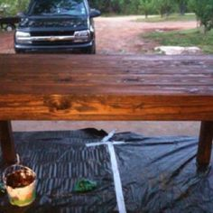 Table made from pallets? YES, please!