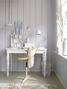 Stylist Kim Timmerman's simply white desk area