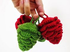 Amigurumi Ahmaymet: Colorful pine cone ornament for Christmas Decoration