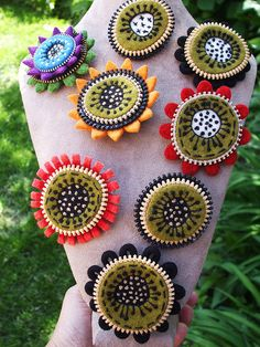 flower pins with zippers!