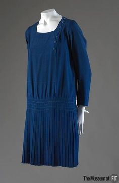 1926 Dress, Coco Chanel (The Museum at FIT) (SO WEARABLE!!!)