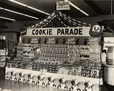 vintage grocery store 1950s cookie display