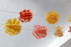 garland made from cupcake liners. How to.