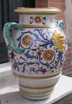 Love this Ricco Deruta pot