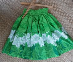 bright apple green & vibrant white traditional hula by SewMeHawaii, $45.00 green pau, hula, white, apples