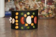 bean bracelet, mexican bracelet, mexican crafts for kids, bracelets, macaroni craft, mexican bean, bracelet crafts, black, cinco de mayo