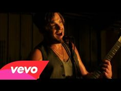 ▶ Kings Of Leon - Sex on Fire - YouTube