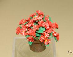 Learn to make dollhouse miniature flowers by IGMA Artisan Era Pearce