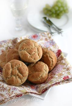 Karina's gluten-free dinner rolls - crusty and flavorful