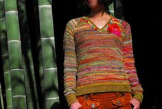 I wish this were mine. I SUPER loves it! Ravelry - Muskten's Extremity POP V neck sweater!!