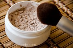Homemade Mineral Foundation. Such a cool idea and surprisingly easy to make! Feels great knowing exactly what's in my makeup- no scary ingredients I can't pronounce!