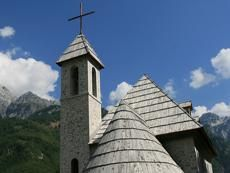 Our 3-day trip to Thethi includes a home stay with traditional dinners cooked by local families, as well as experiencing traditional cuisine in local restaurants. This is combined with the stunning views of the Albanian Alps and a short visit to Shkoder, which make this 3-day trip an unforgettable experience.
