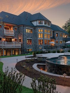 #Luxury homes#amazing mansion! Love the design, entrance pool.. everything!!!
