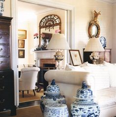 white gardens, houses, living rooms, monday, hamptons house, ginger jars, live room, blues, linen