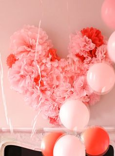 Everything Fabulous: Valentine's Inspiration: DIY Tissue Paper Wall Heart #valentine #heart #craft