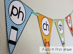 Phonics Flags- Combining classroom decoration and reading skills! AWESOME!