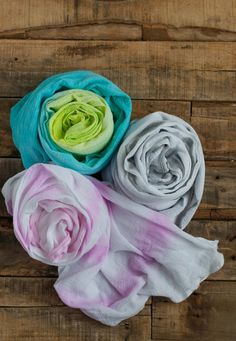 How-To: Watercolor Painted Summer Scarf #scarf #dyeing #watercolor