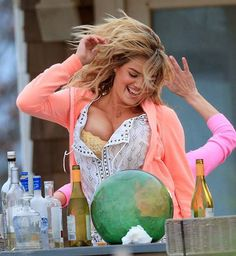 Kate Upton's Boobs Runneth Over On Set Of New Movie 'The Other Woman' [Photos & Video]
