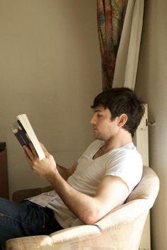 Scott Avett reading Anna Karenina ~ Just stop it already. Sigh......