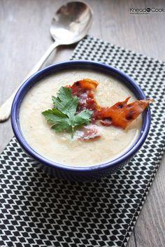 cauliflow garlic, cauliflower soup, coconuts, roast cauliflow, garlic soup, croutons, coconut milk, roasted garlic, soup recipes
