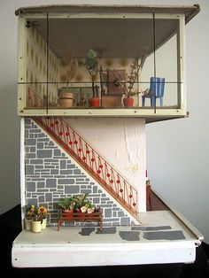 Retro doll house