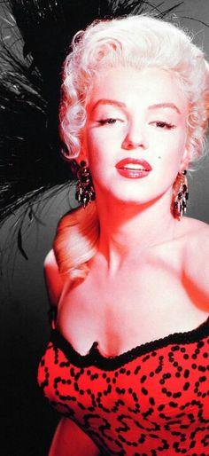 Marilyn Monroe, Art http://www.ebay.com/usr/cabaleiroart http://cabaleiroart.blogspot.com/ http://www.darkknightnews.com/author/cabaleiro/  http://comicartcommissions.com/Cabaleiro.html  http://cabaleiroart.blogspot.com/ http://cabaleiroart.deviantart.com/