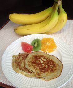 Make this easy snack for the kids!  Flourless Banana Pancakes--4 ingredients and incredible!  #flourless #banana #pancakes