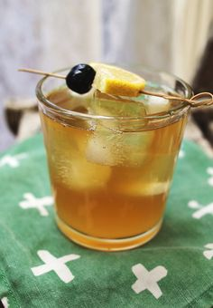 Whiskey sour. Oh...so that's how you make it! Hahaha