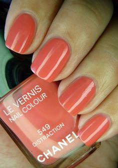 "CHANEL LE VERNIS - ""Distraction"""