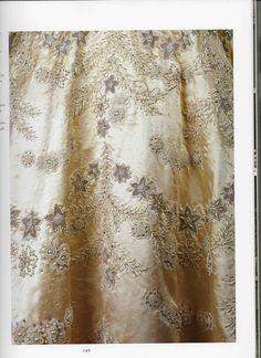 gown of Queen Elizabeth II